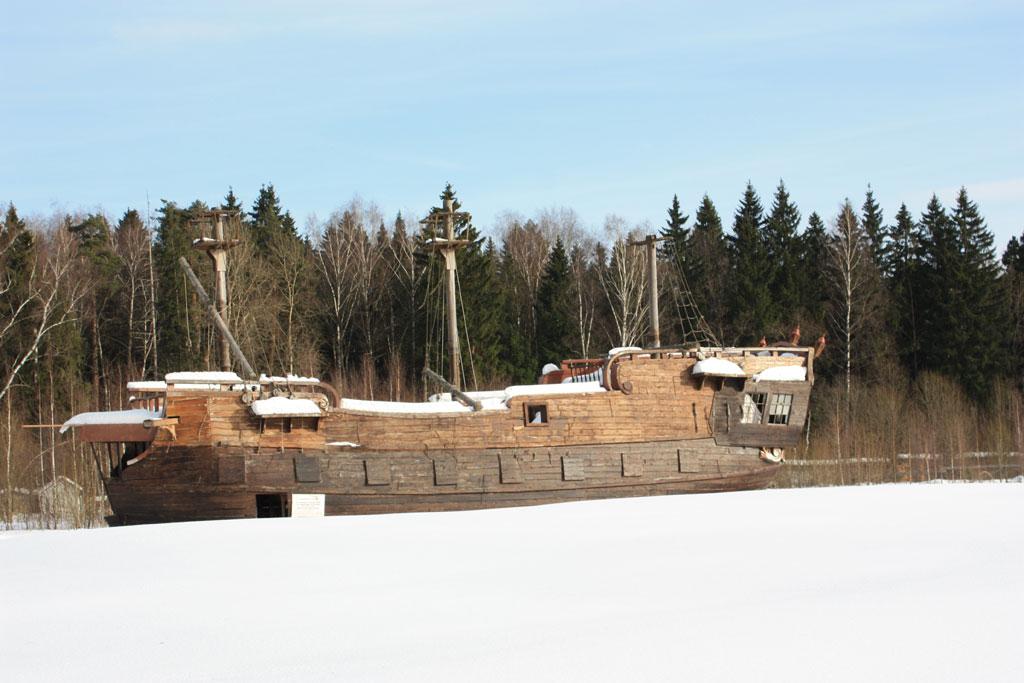 корабль в пилигрим порто зимой