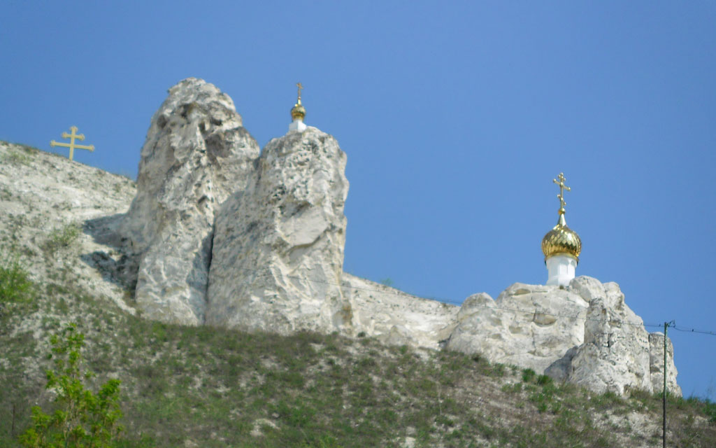 пещерная церковь в малых дивах