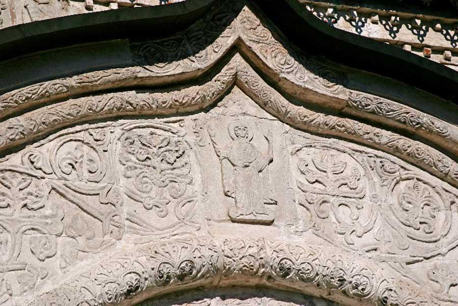 каменная резьба на георгиевском соборе юрьев-польский