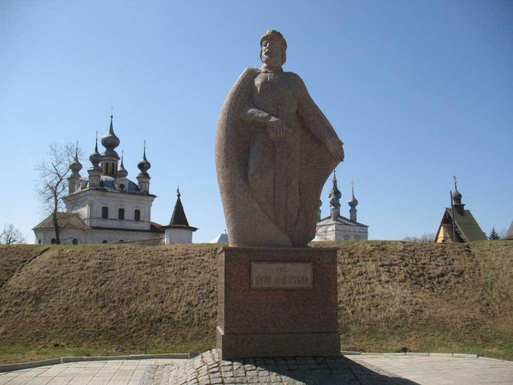 памятник основателю юрьев-польского