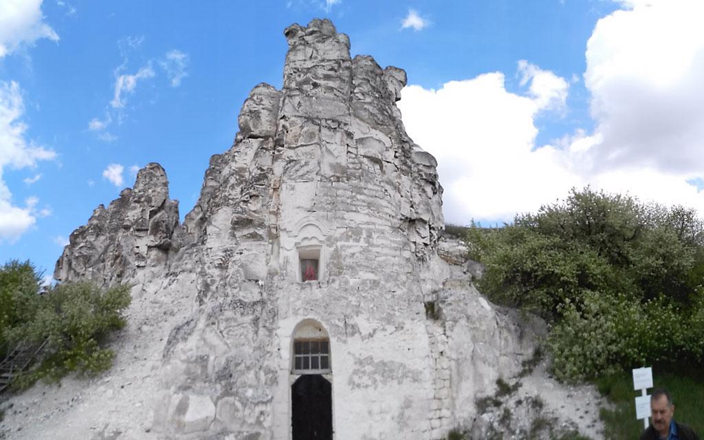 пещерная церковь в больших дивах