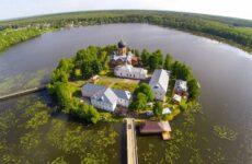 Введенский Островной монастырь в Покрове